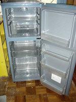 135リットル冷蔵庫2